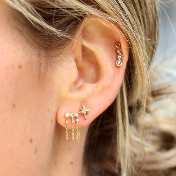 Boucle d'oreille constellation diamants triple chaine