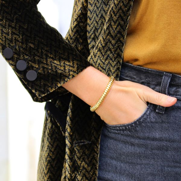 Thin round twisted bangle