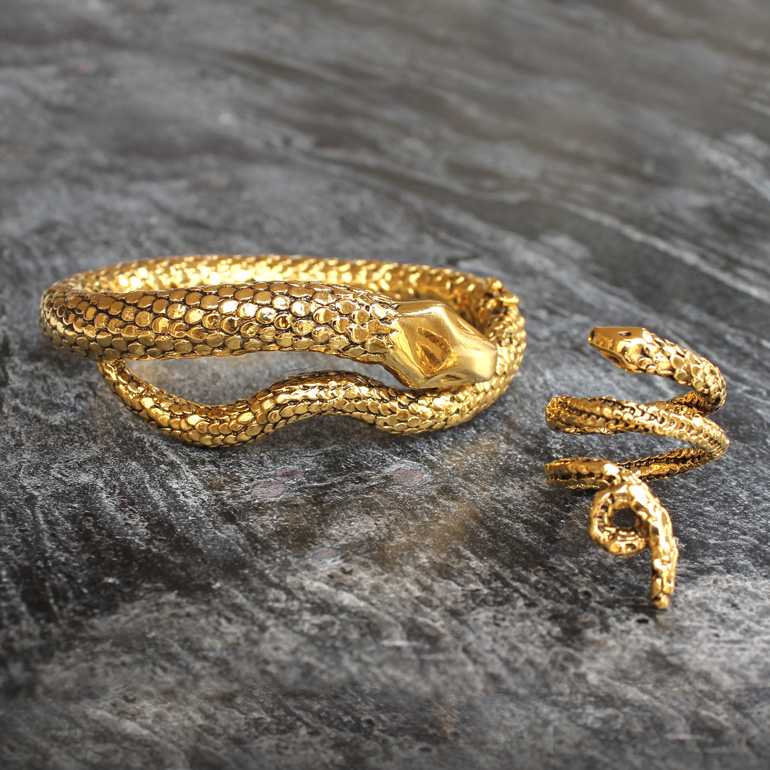 A TIMELESS TREND: SNAKE-INSPIRED JEWELLERY